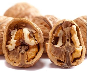 Καρύδια ελληνικά bio 1 κιλό