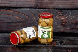 Green olives stuffed with garlic in a jar 215gr