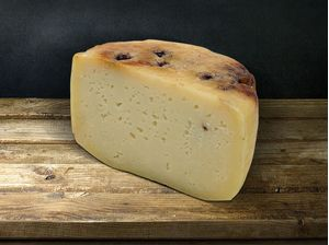 Graviera Cheese With Blueberry 250gr