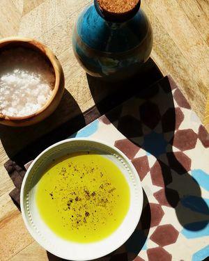 Skafida Extra Virgin Olive Oil 500ml in handmade ceramic bottle (Rakana)