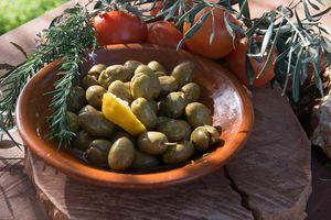 Crushed Green Olives giant with lemon (141-60) 1kg - metal conteiner 12kg
