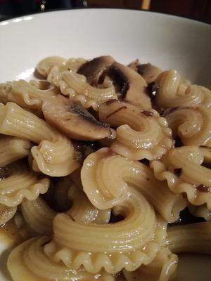 Rigatoni with Black Garlic, 250gr - 25pcs